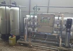 银川贺兰县6吨泡沫箱净化水设备
