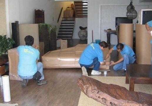 在广州兄弟搬家公司是受人尊敬的的司机和搬运工