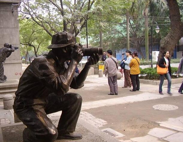 摄像人物雕塑