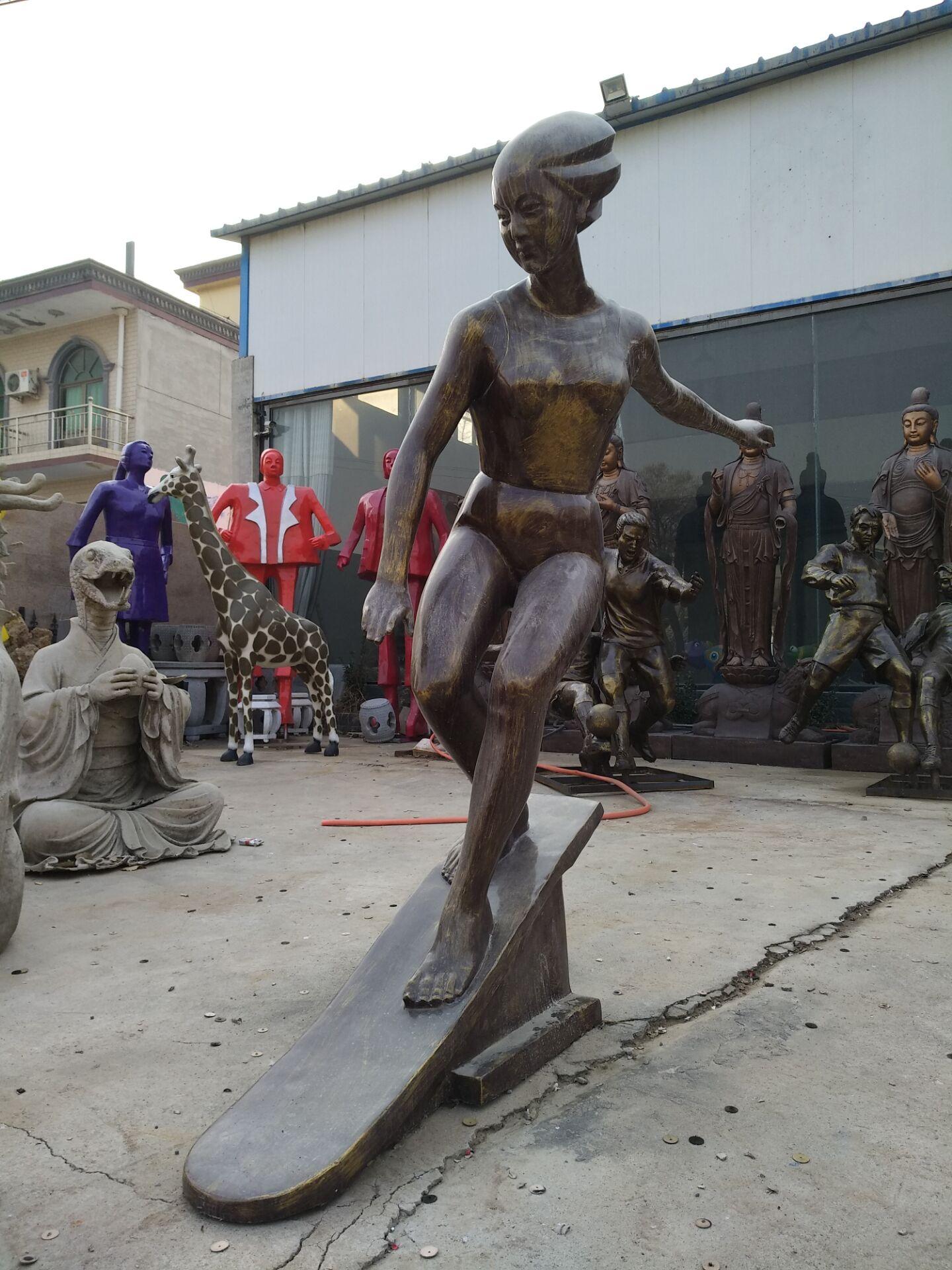 滑板美女铜雕塑