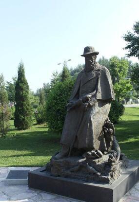 达尔文雕塑