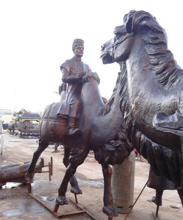 丝绸之路铜雕-骑骆驼的少数民族人物雕塑