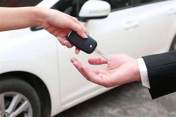 个人代开拉萨汽车租赁发票交什么税?