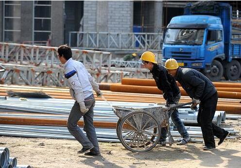 四名北京临时工合租15平方米的屋子