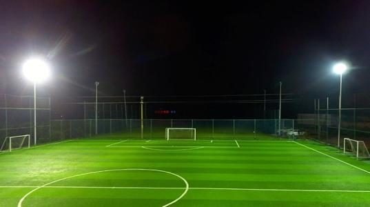足球场灯光照明