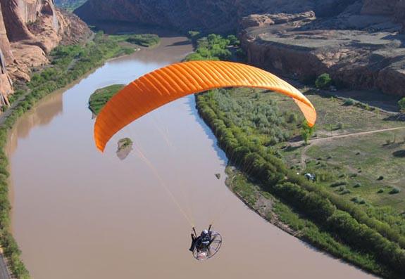 动力伞能飞多高多长时间速度多少加什么油