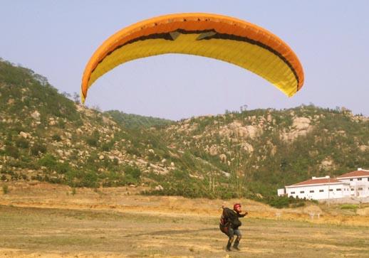 另一个济南滑翔伞友安全降落