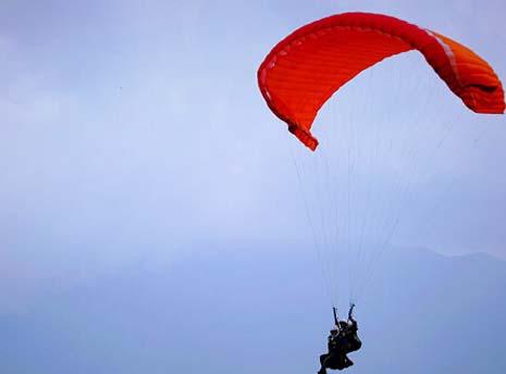 滑翔伞教程-单边折翼(Asymmetric Tuck)
