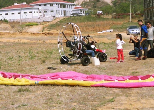双人动力伞小车带飞