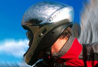滑翔伞头盔的选择