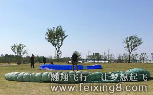 济宁曲阜滑翔伞老何的北京师兄杨洋