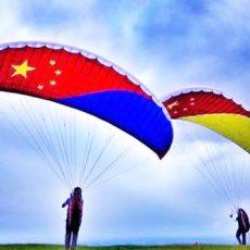 滑翔伞a证好考吗多少钱可以单飞吗可以带飞吗