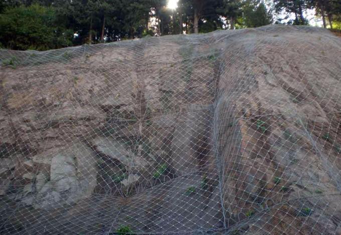 山体边坡支护方案