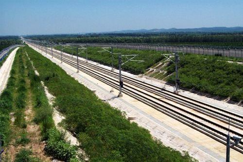 铁路边坡客土喷播施工