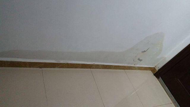 100万房子另交20万装修费,墙体开裂漏水,万科中