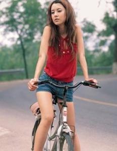 骑自行车上班