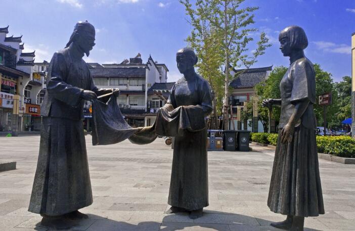 步行街人物雕塑