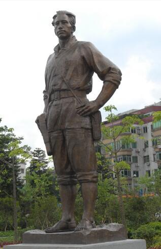 聂荣臻雕塑定做