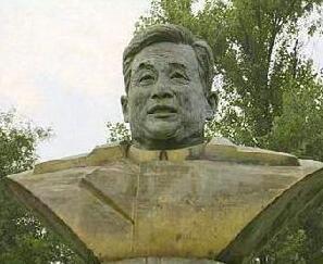 邓稼先雕塑_邓稼先铜雕