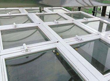 铝质泄爆窗设计要求: