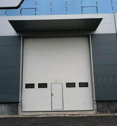 大型工业门形成