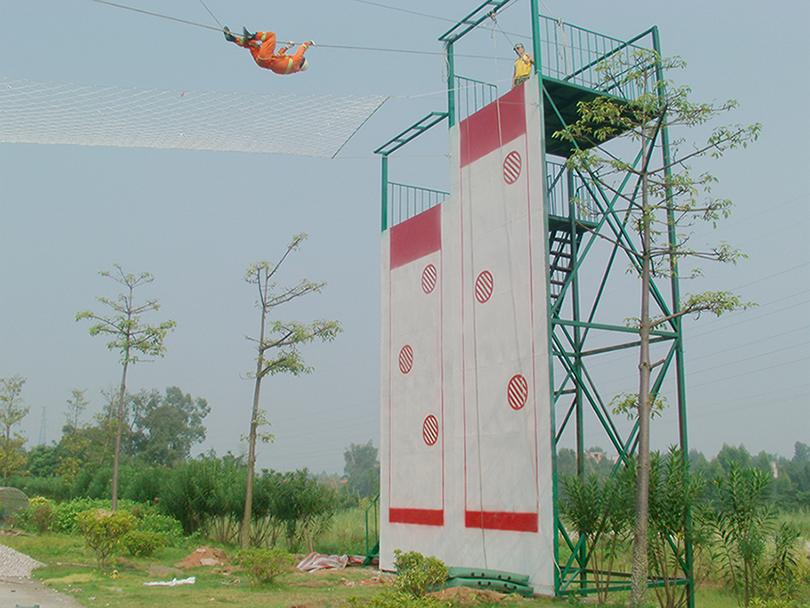 消防攀爬横渡项目