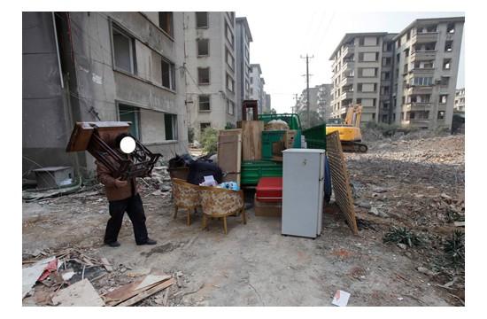 绵阳用物流公司搬家和用搬家公司搬家哪个价钱