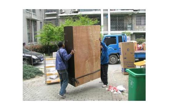 绵阳搬家公司到过节给搬运工,搬家之后要送哪些礼物