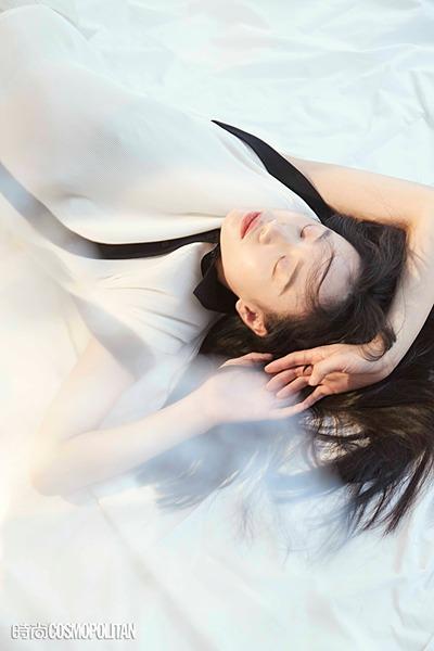 李梦最新杂志大片曝光_灵动优雅高级感十足
