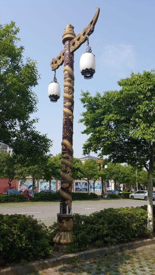古典华表式龙柱灯